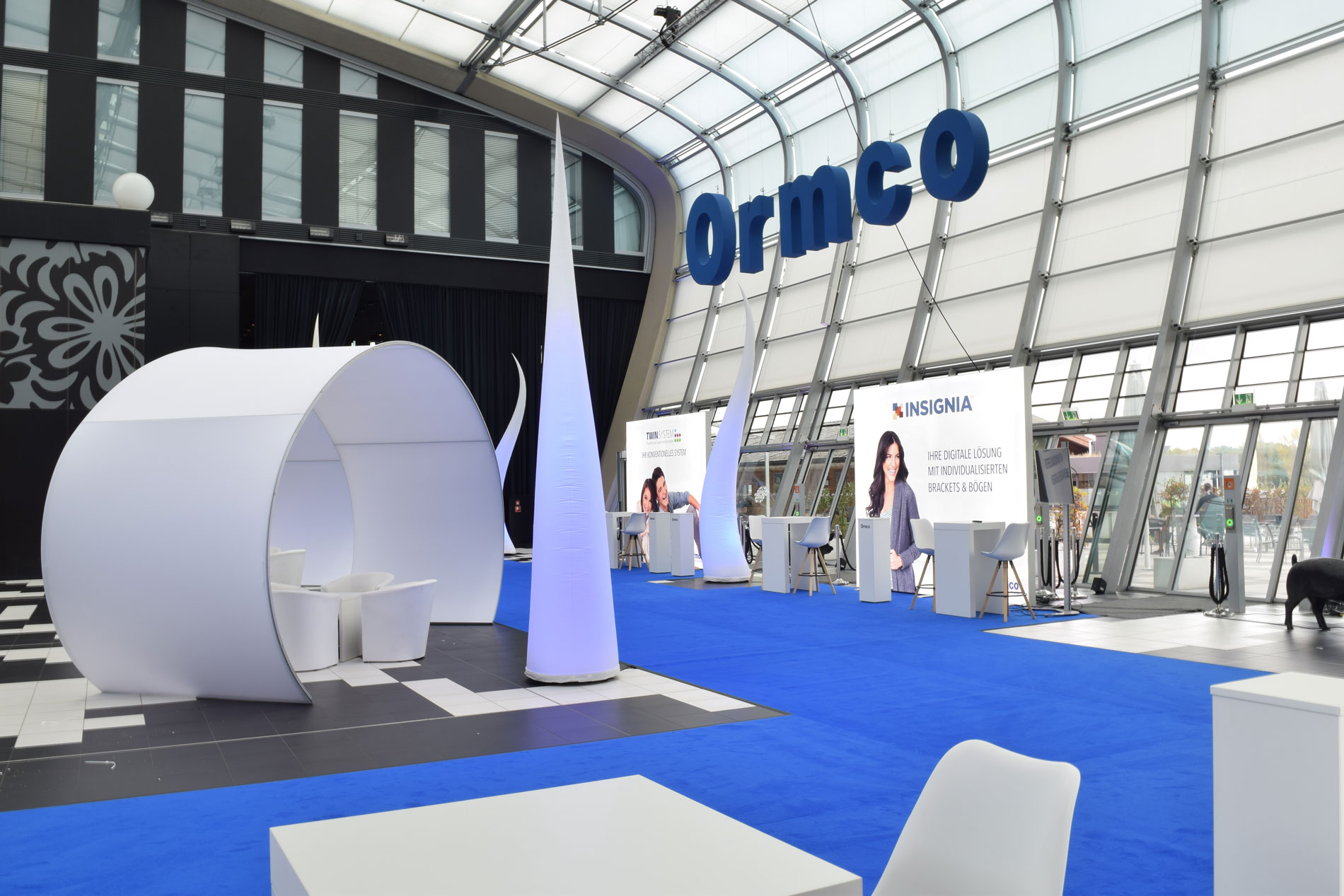 ormco_messebau_messedesign_hamburg_front